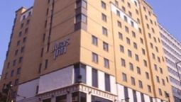 Buitenaanzicht Jurys Inn Croydon South London