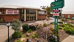 Exterior view Quality Hotel Melbourne Airport