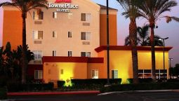 Exterior view TownePlace Suites Anaheim Maingate Near Angel Stadium