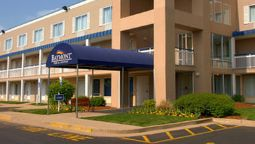 Exterior view BAYMONT INN & SUITES LOUISVILL