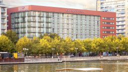 Exterior view Crowne Plaza LONDON DOCKLANDS