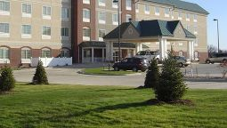 Buitenaanzicht TOWN AND COUNTRY INN AND SUITES