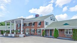 Exterior view KNIGHTS INN SEEKONK MA