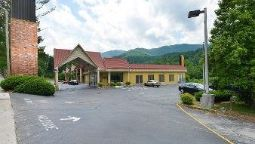 Exterior view SUPER 8 CARYVILLE TN