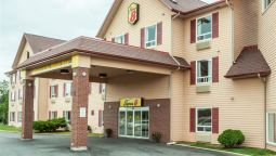 Exterior view SUPER 8 AMHERST NS