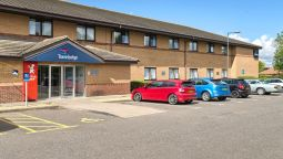 Exterior view TRAVELODGE PETERBOROUGH EYE GREEN