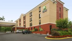 Buitenaanzicht Holiday Inn Express FAIRFAX - ARLINGTON BOULEVARD