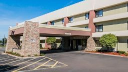 Buitenaanzicht Quality Inn & Suites Warren