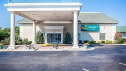 Exterior view Quality Inn Lake of the Ozarks