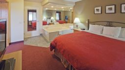 Suite COUNTRY INN PORT WASHINGTON