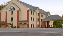 Exterior view DAYS INN MANASSAS