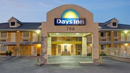 Exterior view DAYS INN MARIETTA WHITE WATER