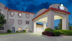 Exterior view DAYS INN AND SUITES DECATUR