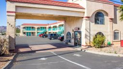 Exterior view Econo Lodge Kingman