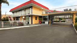 Buitenaanzicht EXPRESS INN AND SUITES CLEARWATER