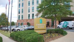 Buitenaanzicht Embassy Suites by Hilton Hot Springs Hotel - Spa