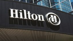 Buitenaanzicht Hilton Dallas Lincoln Centre