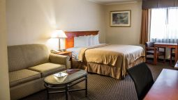 Room Quality Inn & Suites North