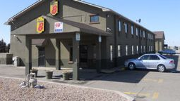 Exterior view SUPER 8 COLBY