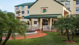 Exterior view COUNTRY INN STES MIAMI KENDALL