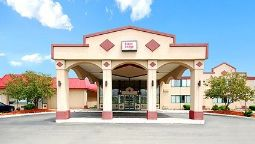 Exterior view Econo Lodge Chicopee