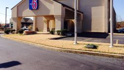Exterior view AR Motel 6 - Jacksonville