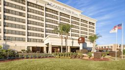 Buitenaanzicht DoubleTree by Hilton New Orleans Airport