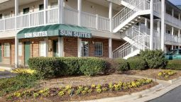 Buitenaanzicht Sun Suites Of Charlotte-Mathews