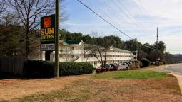 Exterior view Sun Suites Kennesaw Atlanta North I-75