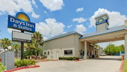 Exterior view DAYS INN & SUITES HOUSTON CHAN