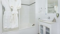 Bathroom Pacific Suites Canberra (Formerly Clifton Suites on Northbourne)