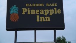 Exterior view PINEAPPLE INN