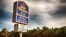 Exterior view BW WAKULLA INN SUITES