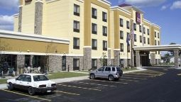 Exterior view Comfort Suites Oshkosh