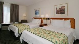 Room Econo Lodge Inn & Suites Airport