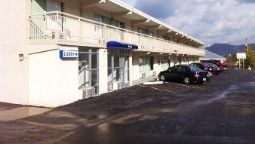 Exterior view Motel 6 Caryville TN
