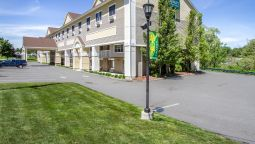 Exterior view Quality Inn & Suites Evergreen Hotel