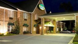 MOUNTAIN INN AND SU - Hendersonville (North Carolina)