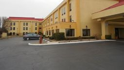Buitenaanzicht Pine Bluff Inn and Suites