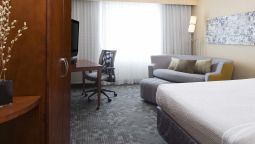 Room Courtyard Des Moines Ankeny