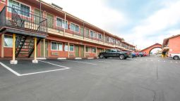 Exterior view Econo Lodge Lemon Grove San Diego East