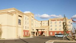 Hampton Inn - Suites by Hilton Edmonton International Airpor