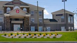 Exterior view RAMADA PINCHER CREEK