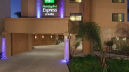 Exterior view Holiday Inn Express & Suites WOODLAND HILLS