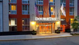 Buitenaanzicht DoubleTree by Hilton New York - Times Square South