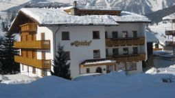 Exterior view Alpenhof Pension Garni