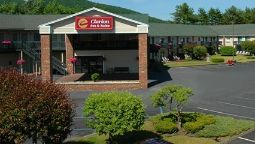 Buitenaanzicht Clarion Inn & Suites at the Outlets of Lake George