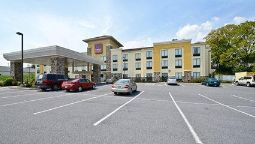 Exterior view Comfort Suites Amish Country