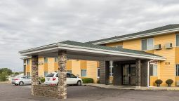 Exterior view Quality Inn Mitchell