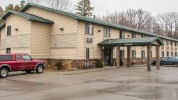 Exterior view Quality Inn & Suites Marinette